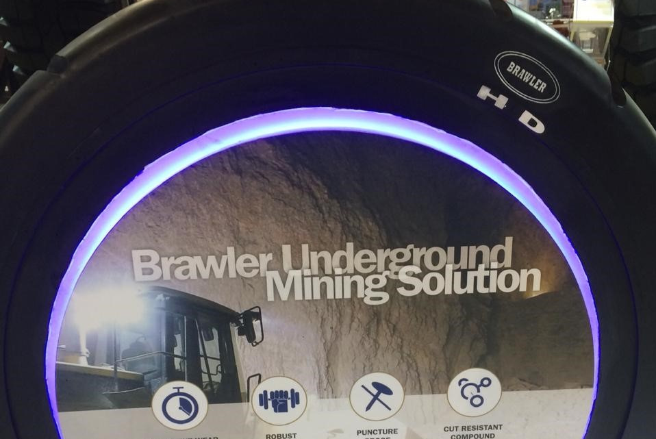 PT Trelleborg Indonesia Tawarkan Ban Brawler HD Solidflex Untuk Jobsite Yang Ekstrim